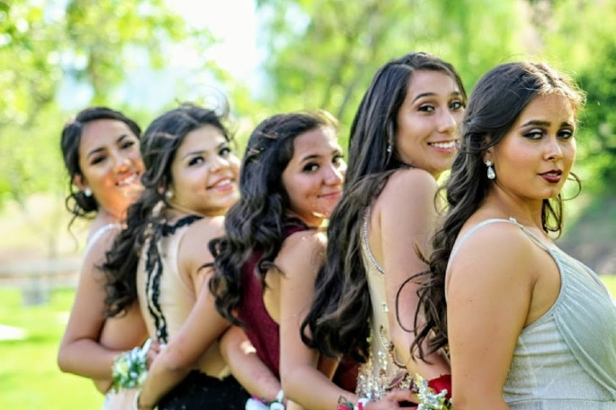 girls on prom